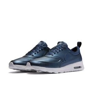 Nike Air Max Thea Se brand new